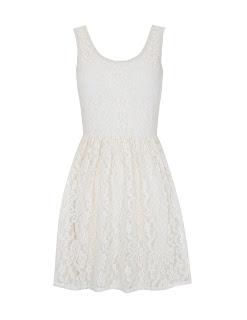 Vestidos cortos de primavera: el color blanco