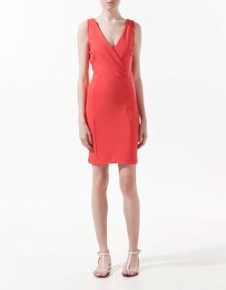 Vestido corto para ir a trabajar: Zara