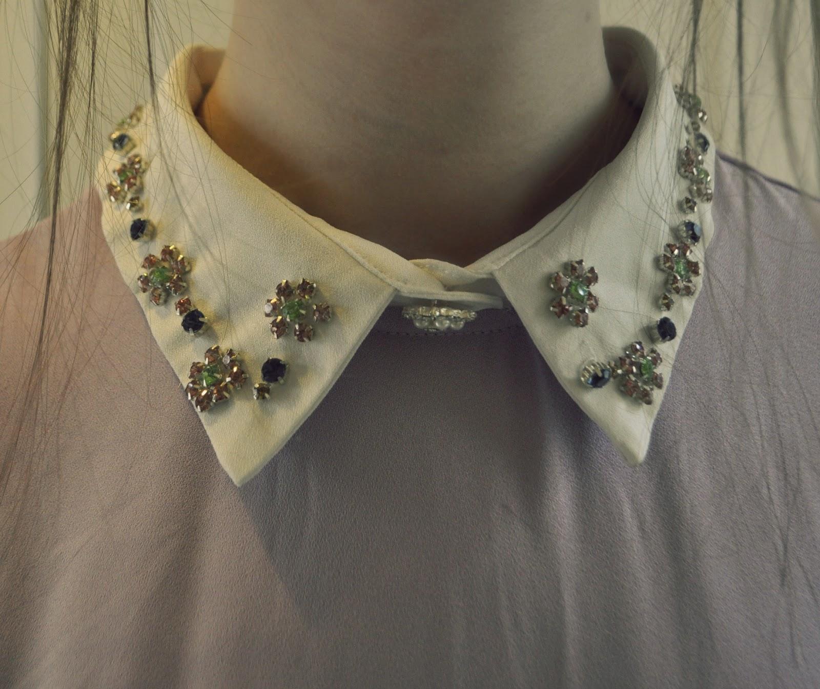 Vestido corto elegante detalles cuello